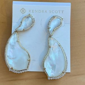 BEAUTIFUL Kendra Scott Earrings BNWT